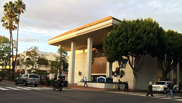 The 38,000-square-foot retail building at 900 State St. in downtown Santa Barbara has been sold to an out-of-town investor for $14.3 million. Marshalls holds a lease through 2015 on the property.